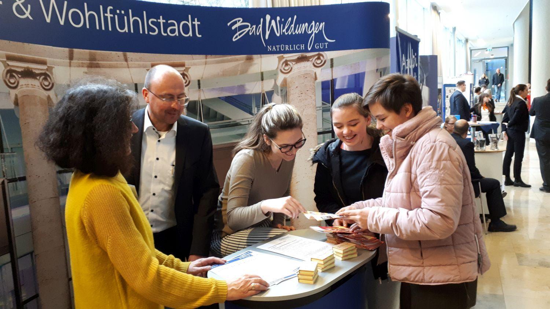 TdA2019_Stadt_Staatsbad-Stand_Web-Pf